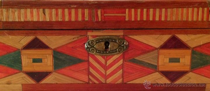 Cajas y cajitas metálicas: maravillosa y antigua caja de labores o escuela. - Foto 3 - 46549057