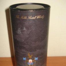 Cajas y cajitas metálicas: ANTIGUA LATA DE WHISKY CLAN CAMPBELL 12 AÑOS. CARTÓN Y METAL.. Lote 47127502