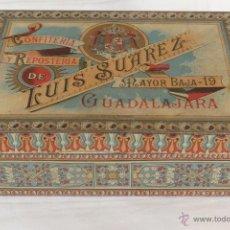 Cajas y cajitas metálicas: ANTIGUA LATA LITOGRAFIADA BIZCOCHOS LUIS SUAREZ. Lote 47245704