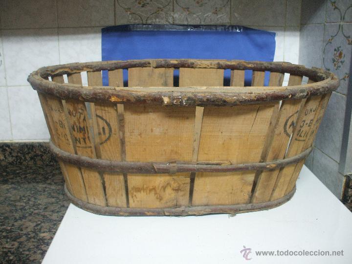 canasto de madera con sellos y marca de lonja de alicante banasto caja para frutas y hortalizas