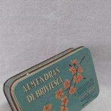 Cajas y cajitas metálicas: CAJA METALICA ANTIGUA DE ALMENDRAS DE BRIVIESCA. Lote 48107332