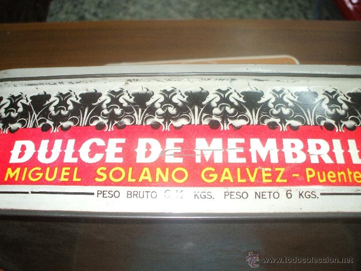 Cajas y cajitas metálicas: Caja de hojalata ,años 60 ,es de membrillo con dibujo de la Santa cena medidas aprox 30x20x9 - Foto 2 - 48155408
