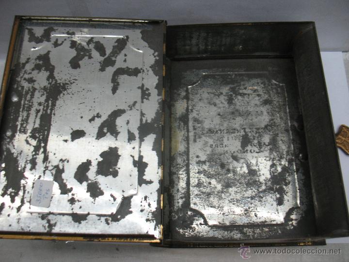 Cajas y cajitas metálicas: Antigua caja metálica con forma de libro de Londres - Foto 8 - 163026856