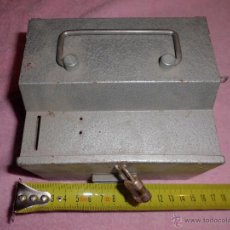Cajas y cajitas metálicas: HUCHA METÁLICA. Lote 48937346