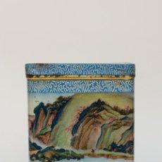 Cajas y cajitas metálicas: ANTIGUA CAJA DE LATA DE TE -MADE IN CHINA. Lote 49195355