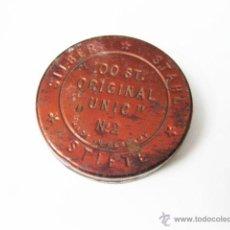 Cajas y cajitas metálicas: CAJA ANTIGUA DE LATA DE GRAPILLAS UNIC. Lote 49439045