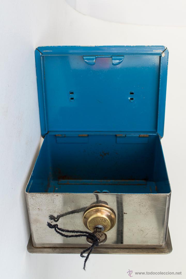 Caja de caudales joma con llave comprar cajas antiguas y for Caja de caudales