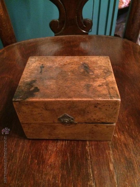Antigua caja cajita de madera de olivo o de boi comprar - Caja madera antigua ...