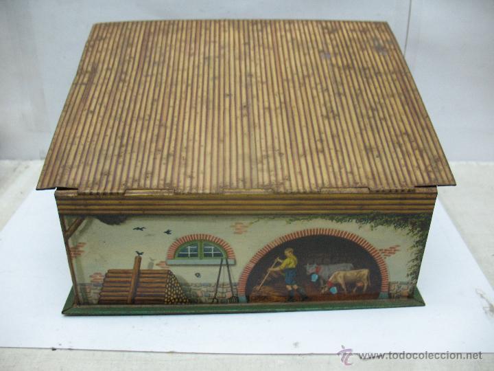 Cajas y cajitas metálicas: Antigua caja metálica con forma de casa - Foto 4 - 50134352