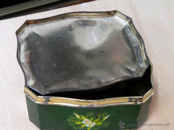 Cajas y cajitas metálicas: ANTIGUA CAJA EN HOJALATA LITOGRAFIADA - Foto 4 - 50295494