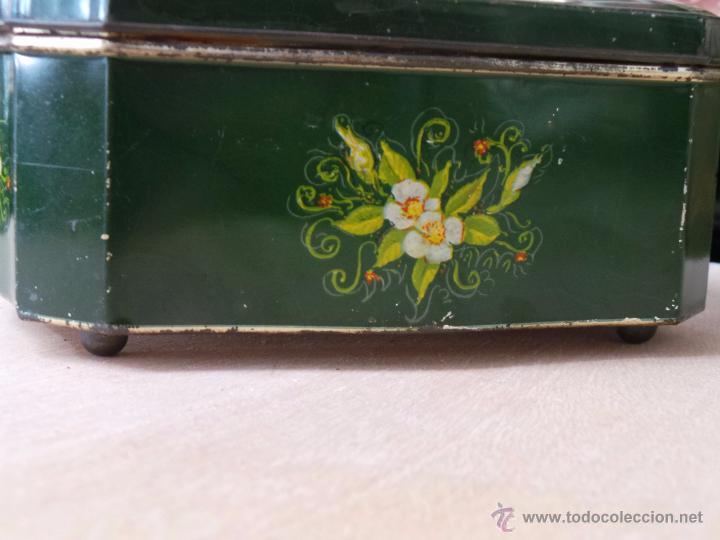 Cajas y cajitas metálicas: ANTIGUA CAJA EN HOJALATA LITOGRAFIADA - Foto 6 - 50295494