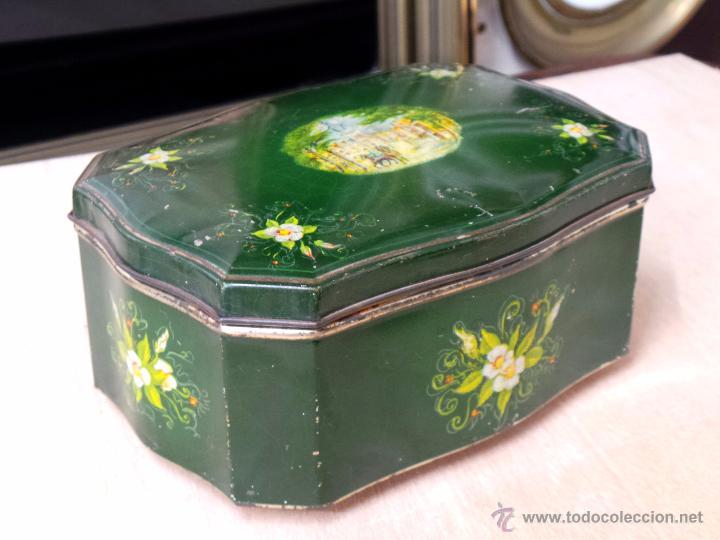Cajas y cajitas metálicas: ANTIGUA CAJA EN HOJALATA LITOGRAFIADA - Foto 8 - 50295494