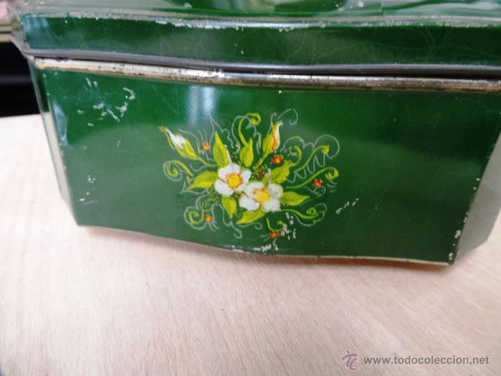 Cajas y cajitas metálicas: ANTIGUA CAJA EN HOJALATA LITOGRAFIADA - Foto 12 - 50295494