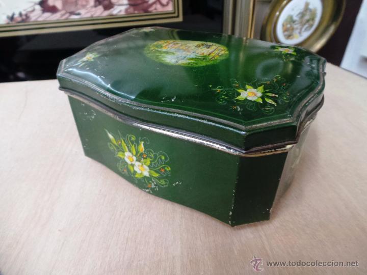Cajas y cajitas metálicas: ANTIGUA CAJA EN HOJALATA LITOGRAFIADA - Foto 13 - 50295494