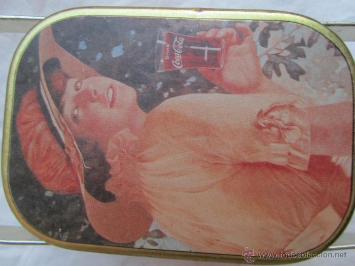 Cajas y cajitas metálicas: Caja de lata de Cocacola coca-cola 1984 - Foto 8 - 50311445