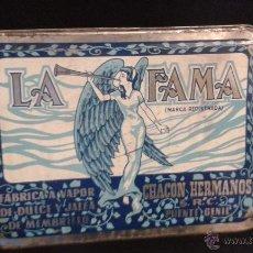 Cajas y cajitas metálicas: CAJA/ LATA LA FAMA FABRICA A VAPOR DE DULCE Y JALEA DE MEMBRILLO CHACON HERMANOS. Lote 50426992
