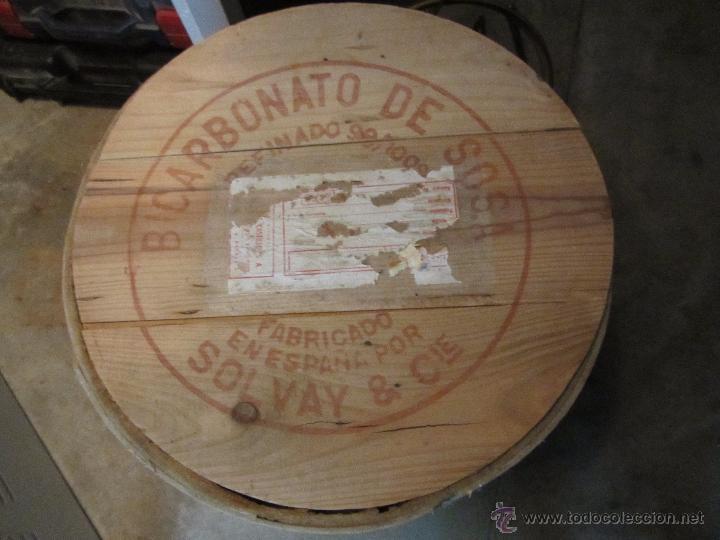 Cajas y cajitas metálicas: Precioso y Antiguo Bote - Barril de Madera Bicarbonato de Sosa Fabricado por Solvay - Foto 3 - 50492912