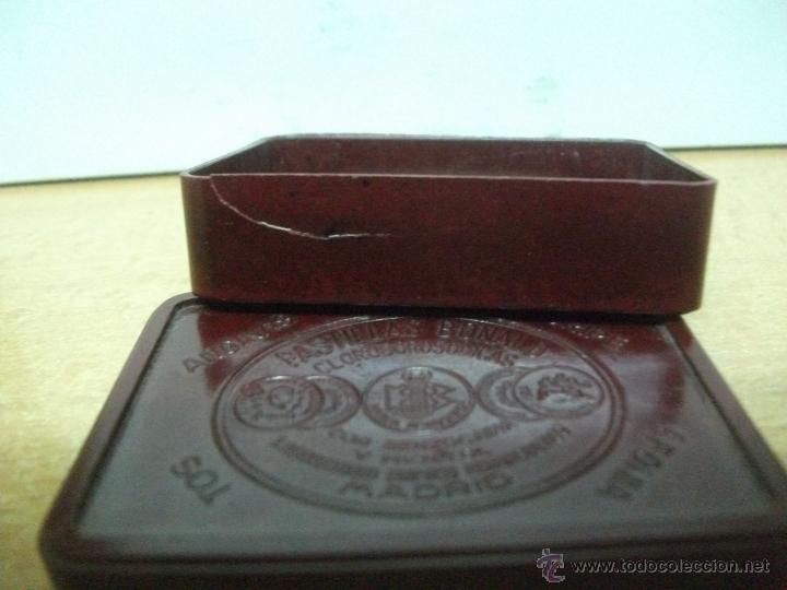 Cajas y cajitas metálicas: Pastillas bonal. antigua cajita de baquelita. - Foto 2 - 50782940