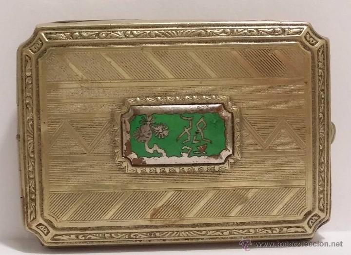 Cajas y cajitas metálicas: ANTIGUA CAJITA EN METAL DORADO CON INCRUSTACION EN PORCELANA- ART DECO 1920-30 - Foto 2 - 51053895