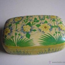 Cajas y cajitas metálicas: CAJA DE MADERA PINTADA - MADE IN INDIA. Lote 51810110
