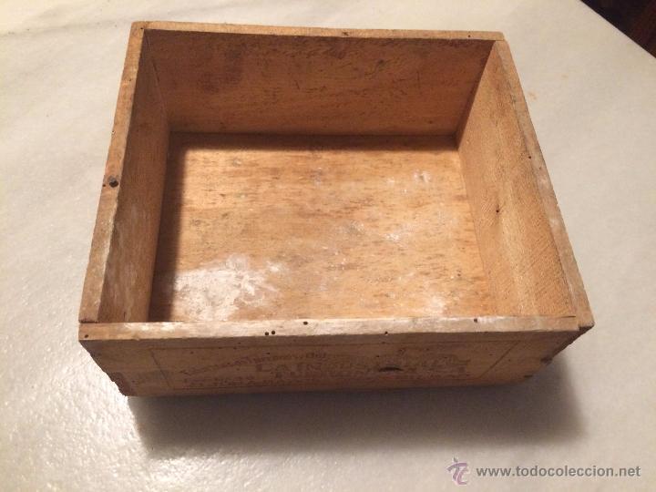 Antigua caja de madera la industrial turronera comprar cajas antiguas y cajitas met licas en - Cajas de madera barcelona ...