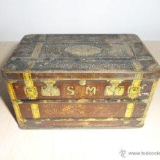 Cajas y cajitas metálicas: CAJA FORMA BAÚL ALMENDRAS ALCALÁ. Lote 52428554