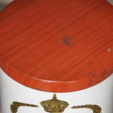 Cajas y cajitas metálicas: BOTE DE CIGARROS LA ESMERALDA. Lote 53045012