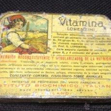 Cajas y cajitas metálicas: ANTIGUA CAJITA DE HOJALATA LITOGRAFIADA. PUBLICIDAD DE FARMACIA. VITAMINA LORENZINI. MILAN. VER. Lote 53214757