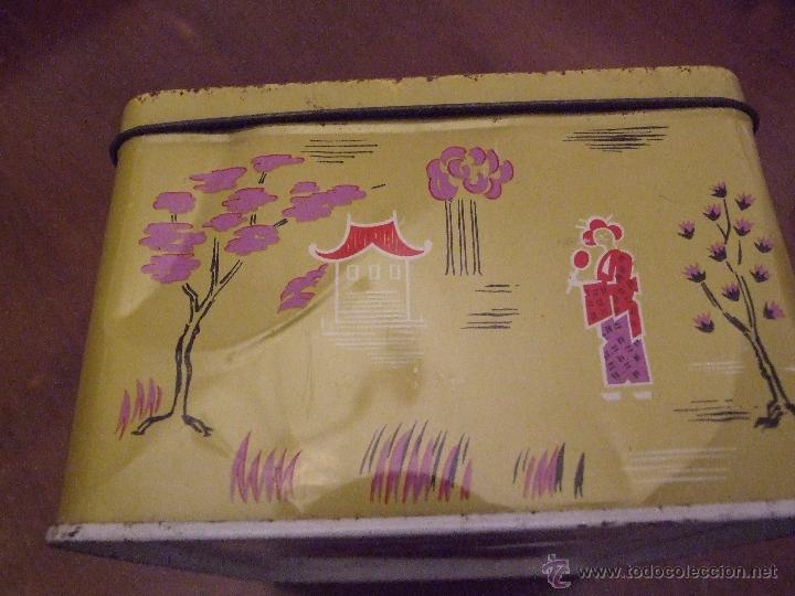 Cajas y cajitas metálicas: CAJA DE PAÑUELOS COLA CAO - DECORACION ORIENTAL FONDO OCRE - Foto 2 - 53610719