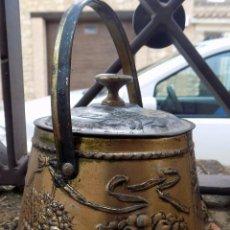 Cajas y cajitas metálicas: RARA LATA, BOMBONERA, CAFES EL CAFETO, RELIEVE, BUEN ESTADO. Lote 53889904