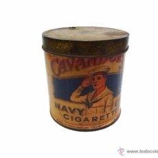Cajas y cajitas metálicas: ANTIGUA CAJA METALICA CAVANDERS NAVY CIGARETTES- MADE IN ENGLAND. Lote 53962544