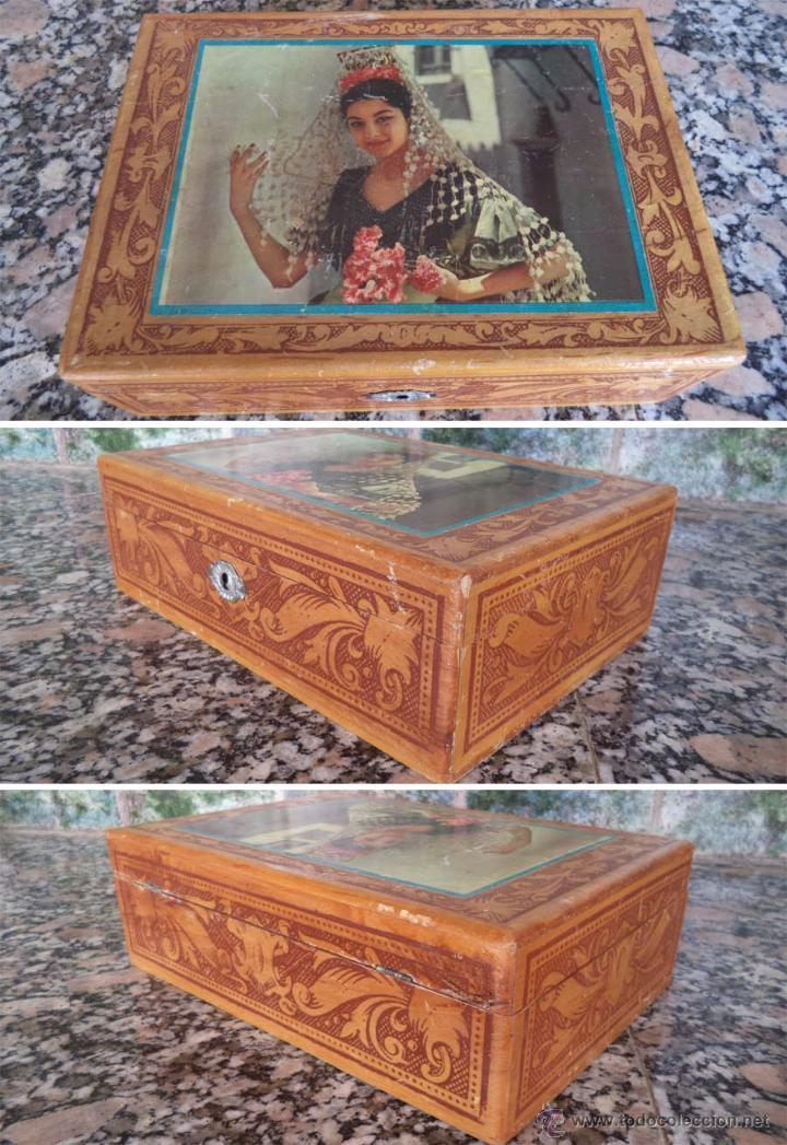 antigua caja madera con espejo mide cm