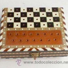 Cajas y cajitas metálicas: CAJA DE NÁCAR, TARACEA CON DIBUJO DE AJEDREZ. Lote 54313329