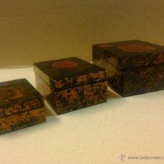 Cajas y cajitas metálicas: TRES CAJAS CHINAS LACADAS QUE SE ENCAJAN UNAS EN OTRAS. Lote 54352731