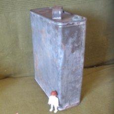 Cajas y cajitas metálicas: ANTIGUA LATA COMBUSTIBLE ,DE ACEITE O GASOLINA.. Lote 55685826