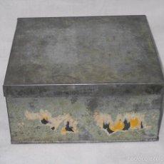 Cajas y cajitas metálicas: CAJA DE HOJALATA ¿GALLETAS, TURRÓN, BIZCOCHOS? CIRCA 1940. Lote 55913726