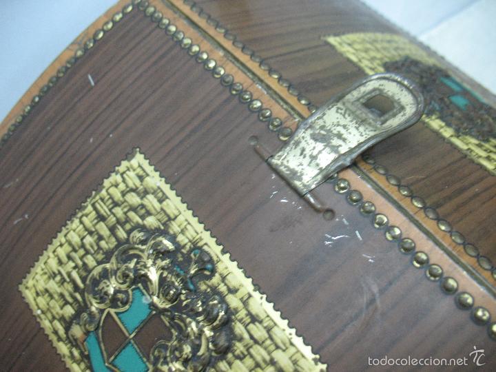 Cajas y cajitas metálicas: VICTORIA - Antigua caja metálica con forma de costurero - Foto 4 - 56140579