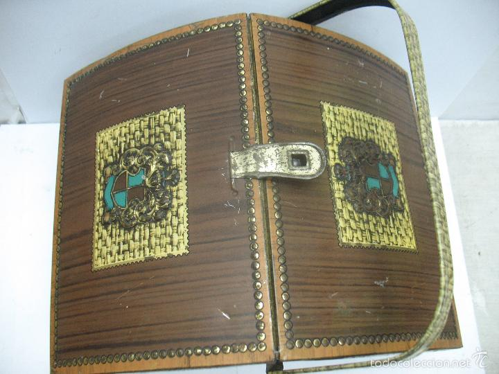 Cajas y cajitas metálicas: VICTORIA - Antigua caja metálica con forma de costurero - Foto 5 - 56140579