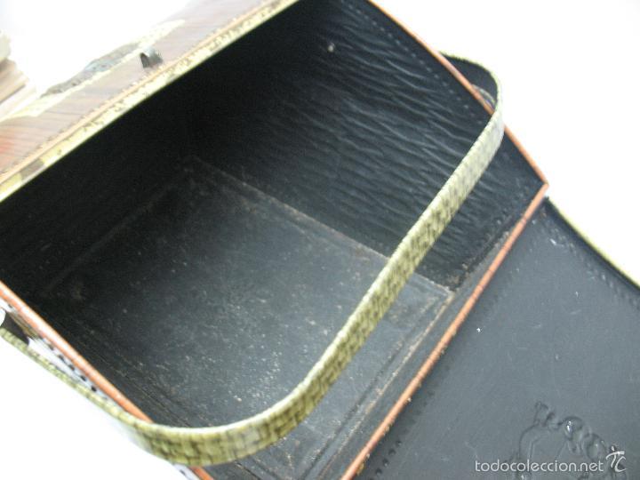 Cajas y cajitas metálicas: VICTORIA - Antigua caja metálica con forma de costurero - Foto 7 - 56140579