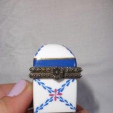 Cajas y cajitas metálicas: PASTILLERO CAJITA JOYERO PORCELANA VINTAGE. Lote 56397702