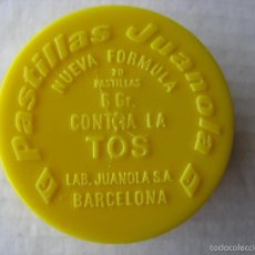 Cajas y cajitas metálicas: CAJITA PLÁSTICO JUANOLA AMARILLO 4 X 1 CM.. Lote 56978185