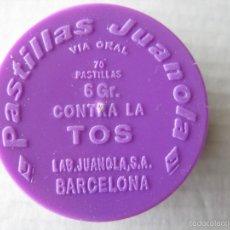 Cajas y cajitas metálicas: CAJITA PLÁSTICO JUANOLA MORADA 4 X 1 CM.. Lote 56978206