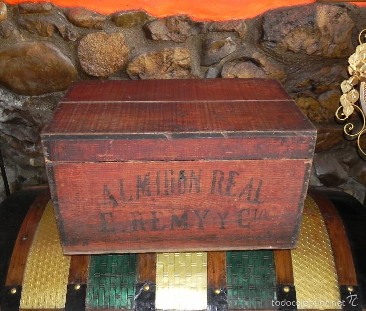 Antigua caja de madera almidon real e remy y comprar - Caja madera antigua ...