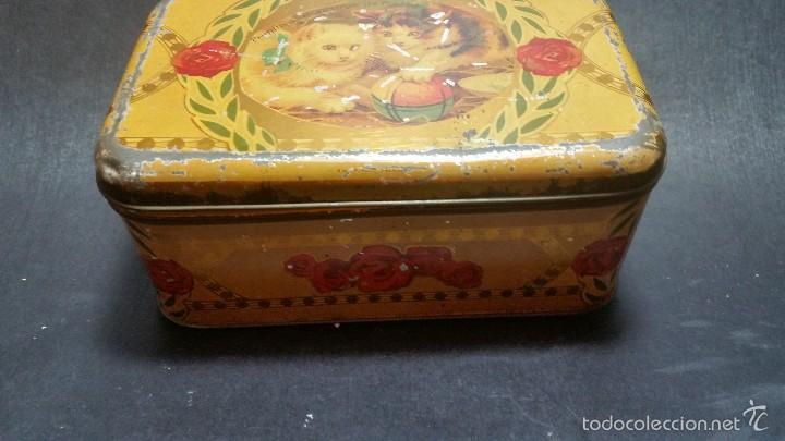 Cajas y cajitas metálicas: CONSERVADA Y ANTIGUA CAJA DE HOJALATA AZAFRÁNES NOVELDA LITOGRAFÍA FOOTBALL GATOS - Foto 2 - 57284111
