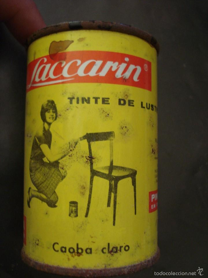 BOTE DE TINTE LOS AÑOS 60 LACCARIN CAOBA CLARO. AUN CONTIENE PRODUCTO (Coleccionismo - Cajas y Cajitas Metálicas)