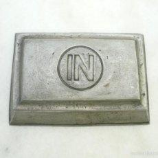 Boîtes et petites boîtes métalliques: CAJA DE ESTAÑO MARCAS PEDRAZA SEGOVIA. Lote 58121098