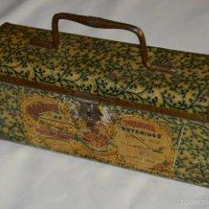 Cajas y cajitas metálicas: VINTAGE - CONFITERIA DE MARON - MADE DE 100 AÑOS - ANTIGUA CAJA DE HOJA LATA - MUY DECORATIVA. Lote 58159732