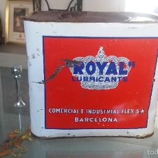 Cajas y cajitas metálicas: LATA ENVASE ANTIGUA ROYAL LUBRICANTES LUBRICANTS COMERCIAL E INDUSTRIAL FLEX BARCELONA . Lote 58190501