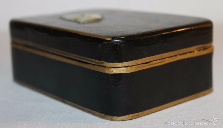 Cajas y cajitas metálicas: CAJA ORIENTAL EN MADERA LACADA CON CISNE DE NÁCAR - PINTADA A MANO - PRINCIPIOS DEL SIGLO XX - Foto 4 - 59861264