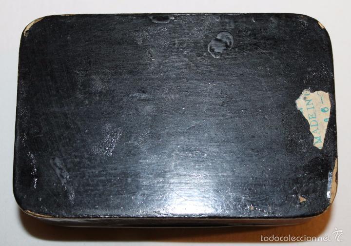 Cajas y cajitas metálicas: CAJA ORIENTAL EN MADERA LACADA CON CISNE DE NÁCAR - PINTADA A MANO - PRINCIPIOS DEL SIGLO XX - Foto 5 - 59861264